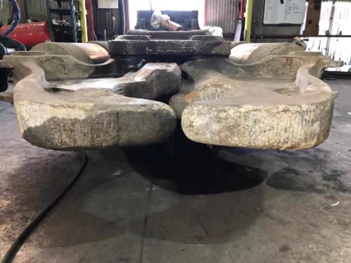 アタッチメント 大割溶接修理 修理前